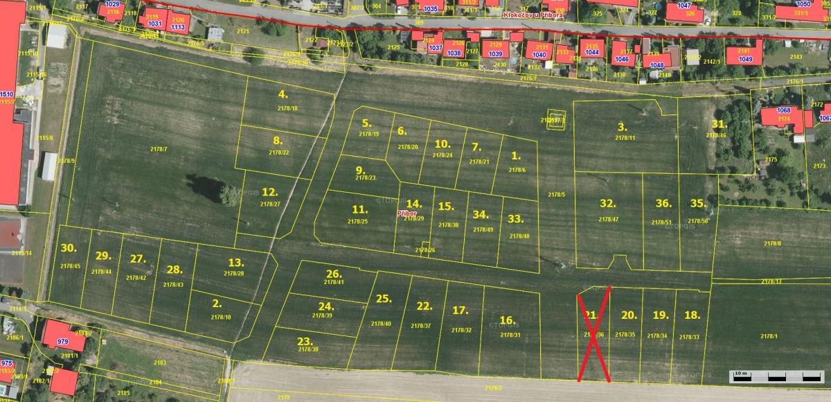 Prodej pozemků za školou