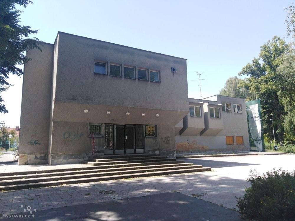 Rekonstrukce za Kulturním domem (2)