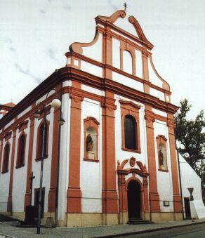 Barokní kostel sv. Valentina s oltářem