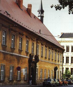 Barokní budova bývalého piaristického gymnázia